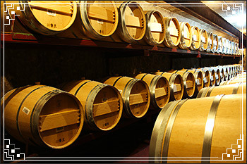Hawkes Bay Scenic Tours - Church-Rd-new-wine-barrels