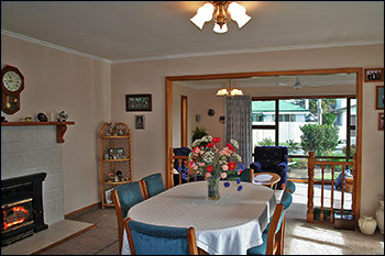 Nest Haven Bed and Breakfast Dining-room