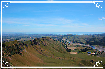 Hawkes Bay Scenic Tours showing views from the top of Te-Mata-Peak
