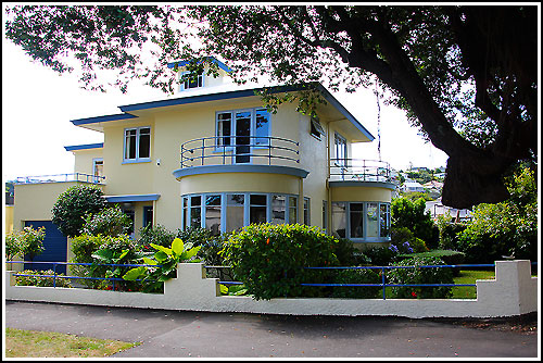 Dozens of lovely Art Deco homes discovered with Hawkes Bay Scenic Tours