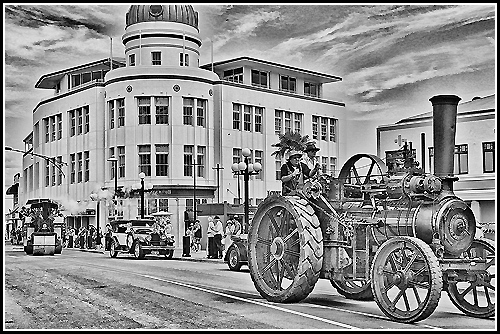 Black and White photo of a steam traction engine on Napier's Marine Parade