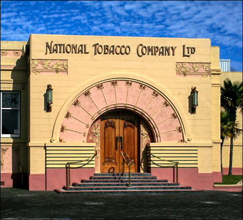 Enjoy your Napier Art Deco Tour Hawkes Bay Scenic Tours