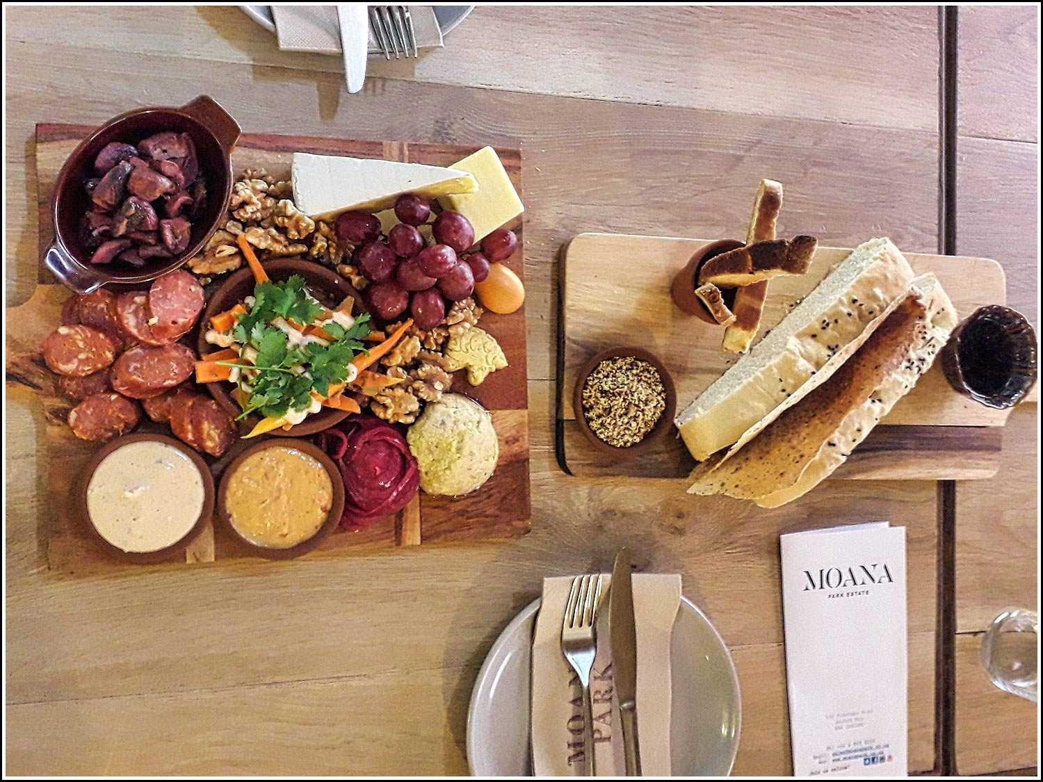 Hawkes Bay Wine Tour sample food platter with Hawkes Bay Scenic Tours